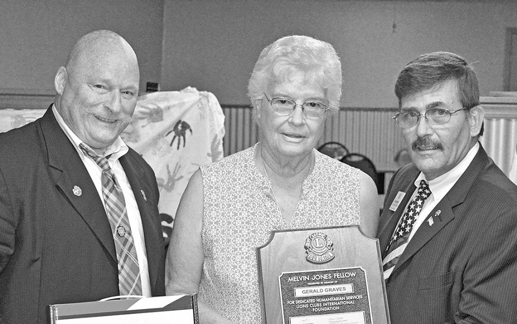 From left: Sosebee, Vera Graves (wife of the late Gerald Graves), and Seybold.