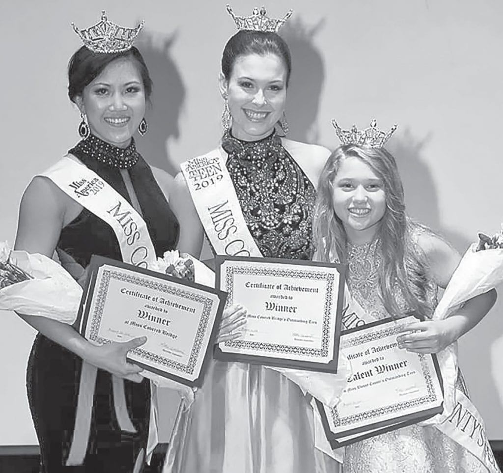 From left, Lian Remley, Miss Covered Bridge; Emma Terry, Miss Covered Bridge Outstanding Teen; and Aubrey McElvey, Miss Blount County Outstanding Teen. -www.southernexposurephotos.com