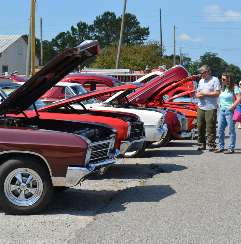 Top: The June Fling Cruise-In features vintage cars and trucks. Bottom: Alabama Garrison of the 501st Legion International Star Wars Costuming Organization will roam the Kidz Zone and the entire venue for photo opportunities. -www.oneontabusinessassociation.com